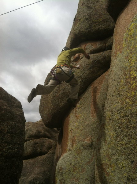The alternate start to the climb. I learned this from Vertical Limit. I call it Dynamic Hand Jamming.<br>