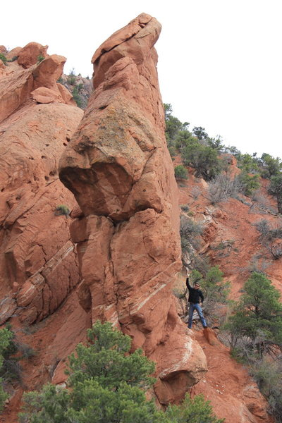 Durf pointing at the route on the PEZ PINNACLE