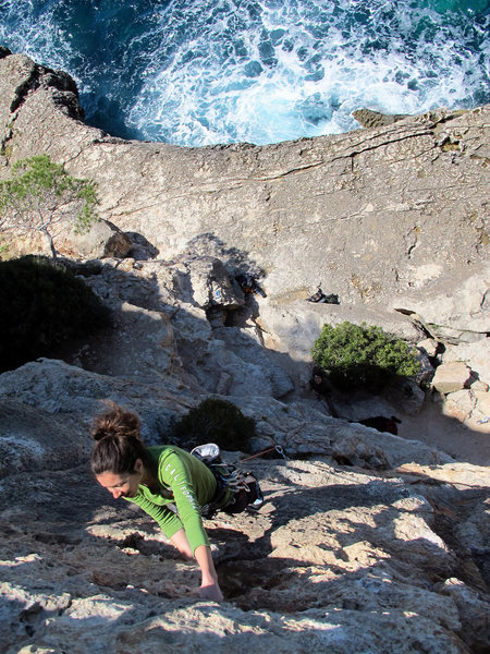 Rock Climbing Photo: The crashing waves make for a soothing noise to cl...
