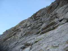 Rock Climbing Photo: The 5th pitch to the tree and cave in the upper le...