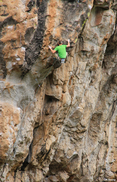 Rock Climbing Photo: Starting the crux boulder problem on the 1st try &...