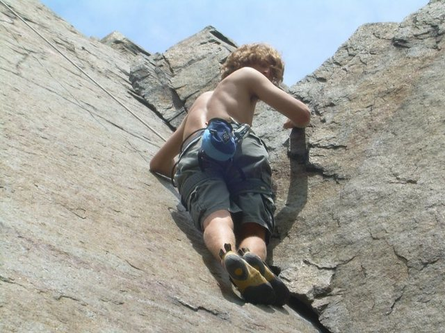 Rock Climbing Photo: Climbing the crack