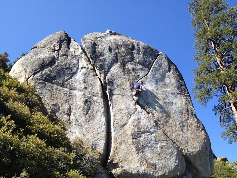 Rock Climbing Photo: Old Custer on the Crystal Bay Boulder's Right Line...