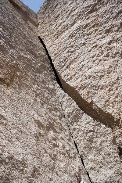 Rock Climbing Photo: Getting Smaller, .10b Grapevine area in High Deser...
