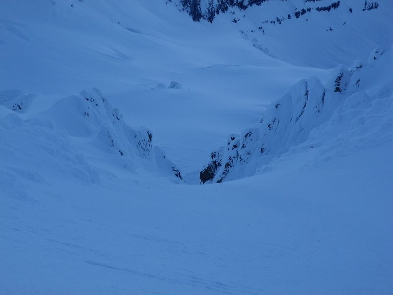 Rock Climbing Photo: Looking down Leuthold Couloir into the hourglass