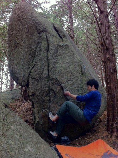 Rock Climbing Photo: Sit starts are muzukashii.