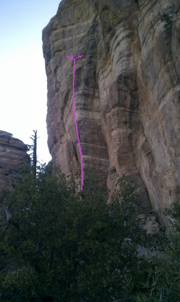 Rock Climbing Photo: C in the T follows the highlighted blunt arete.