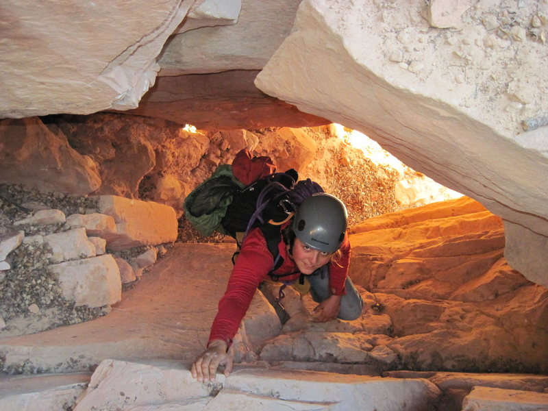 Rock Climbing Photo: Tunneling under chockstones climbing up the approa...