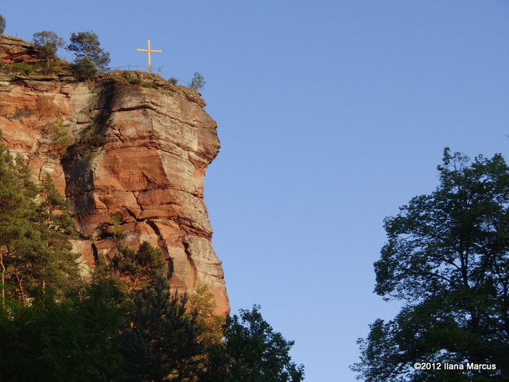 Rock Climbing Photo: North side of Jungfernsprung Formation in profile
