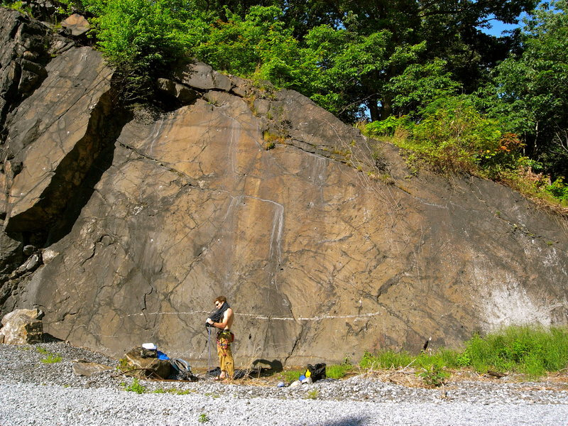 Rock Climbing Photo: Route starts approximately above where the yellow ...