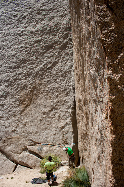 Rock Climbing Photo: Reed Ames racking up at the bottom of Getting Smal...