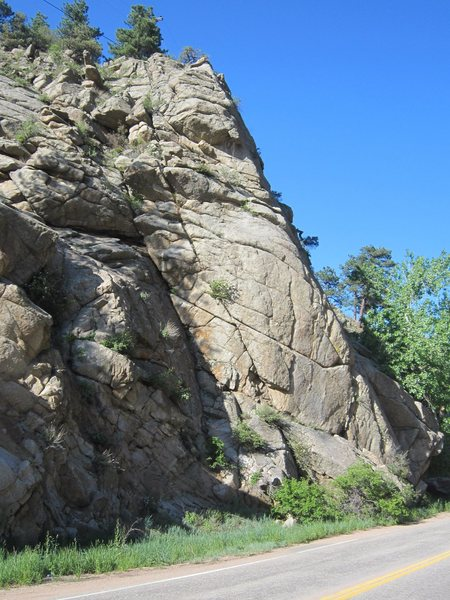 Rock Climbing Photo: Sugar Rock as seen from the road slightly SW. Rubb...