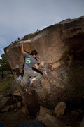 Rock Climbing Photo: Ian Dory cruising Pinch Overhang in mediocre weath...