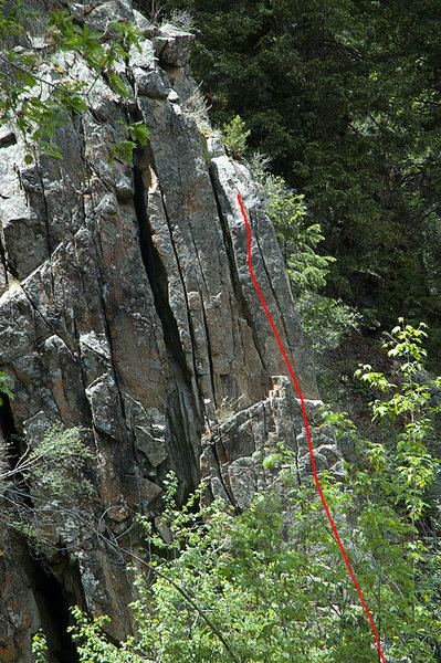 Rock Climbing Photo: The route climbs the right side of the formation, ...