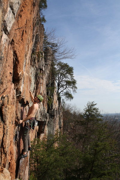 Red Wall<br> <br> Ryan Stokes leads<br> Opinionated (5.9+) sport<br> <br> Crowders Mountain State Park, North Carolina
