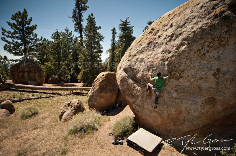 Rock Climbing Photo: getting into the crux