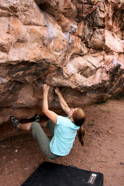 Rock Climbing Photo: Courtney on the beginning and crux moves of the ma...