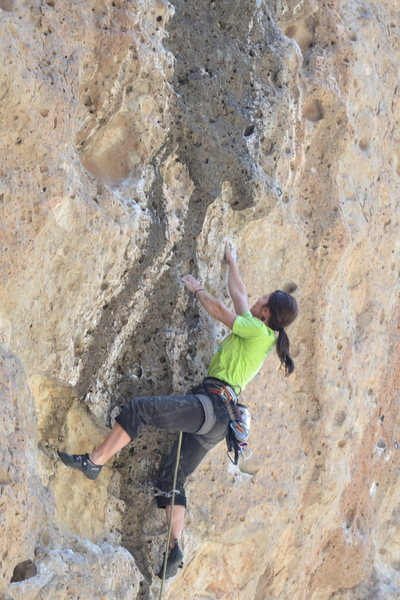 Rock Climbing Photo: Tammy pulling the crux moves