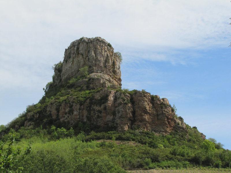 Rock Climbing Photo: The very impressive prow of Solutré.