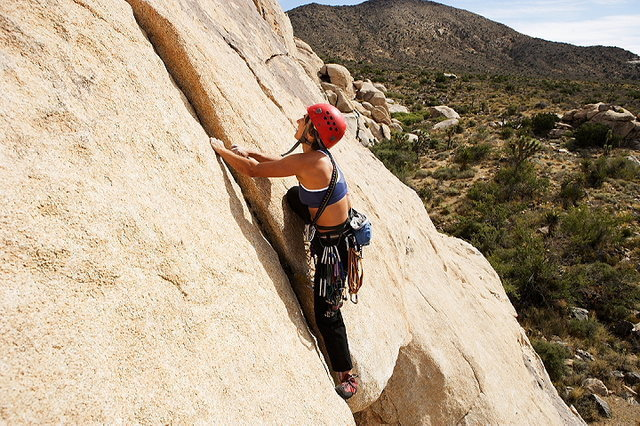Rock Climbing Photo: Past crux of Archer, easy climbing here