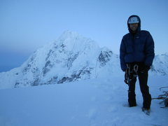 Rock Climbing Photo: Me at the first col with Huntington in the backgro...
