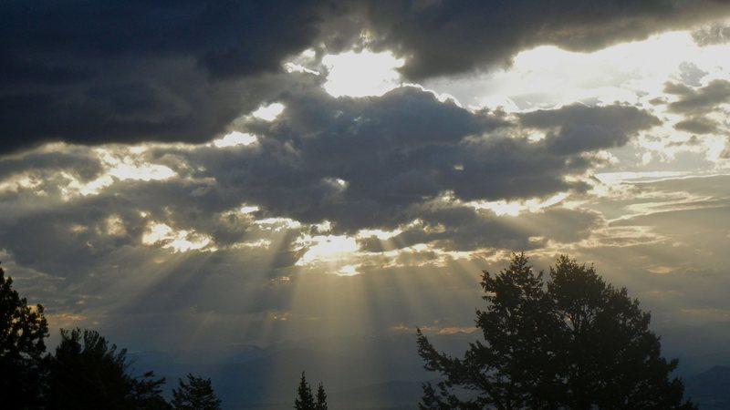 Teton god-rays