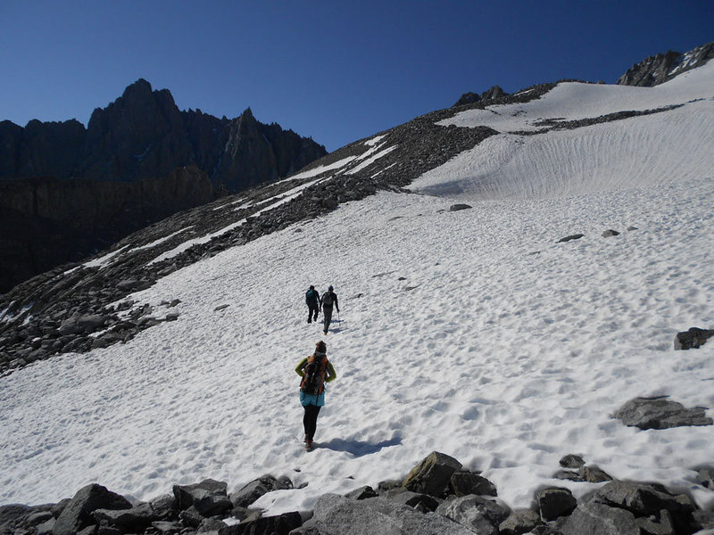 Approaching the medial moraine on the way up to the East Face.