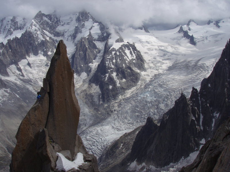 Aiguille du Roc with climbers and the weather going worst