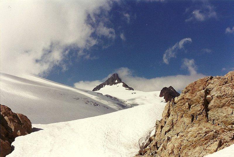 Rock Climbing Photo: Shuksan.