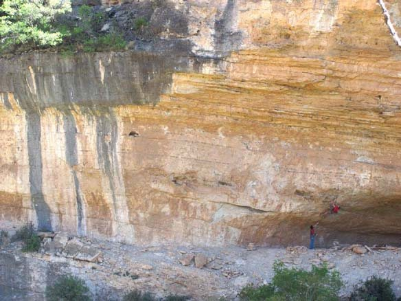 Rock Climbing Photo: steep, cruxy start