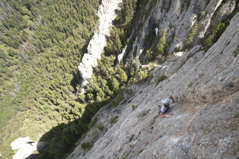Loren Rausch leading the last pitch of Panthalassa during the first ascent (Bridget Belliveau at the belay)