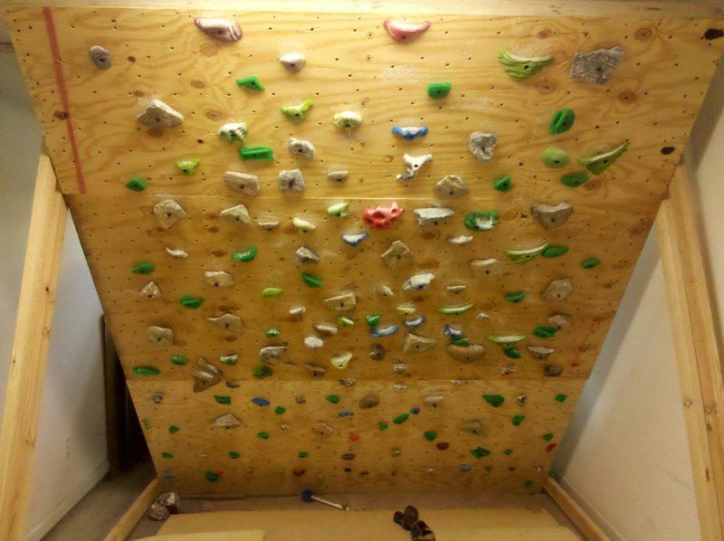 Rock Climbing Photo: Single car garage woody.  Lots of home-made real r...