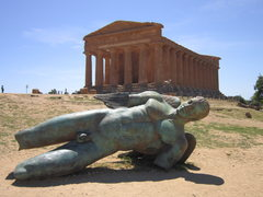 Rock Climbing Photo: Doric ruins in the Valle dei Templi, Agrigento.