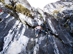 Rock Climbing Photo: Car Jacker 5.9 at Mayhem Cove in Eagle Creek Canyo...