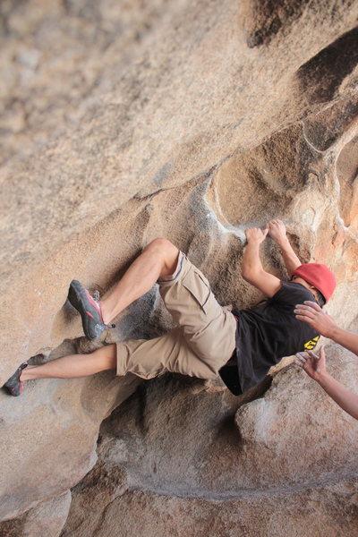 Rock Climbing Photo: working the finish of Caveman at Joshua Tree