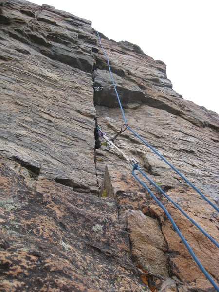 The upper half of the finger crack finish on the South Face.