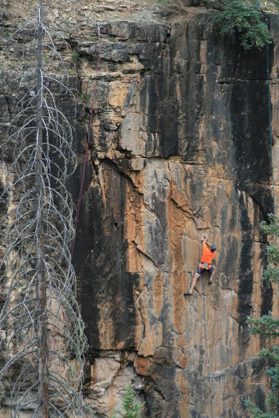 Rock Climbing Photo: Transition to easier but steeper climbing. Van Gog...