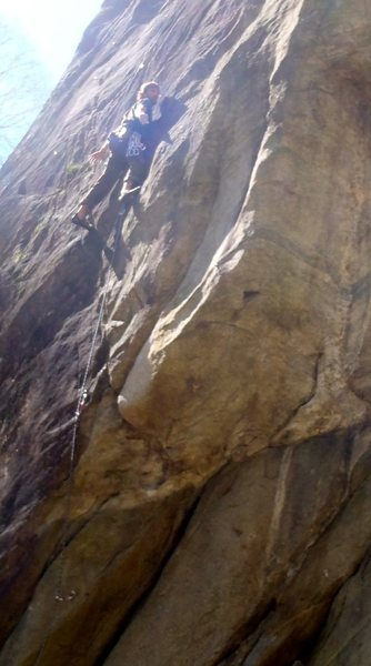 Gianni finds a no hands rest on nameless 7a