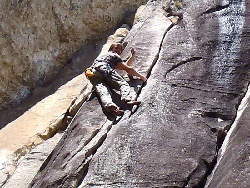 Rock Climbing Photo: Demonstrating proper mono technique on Chi trova u...