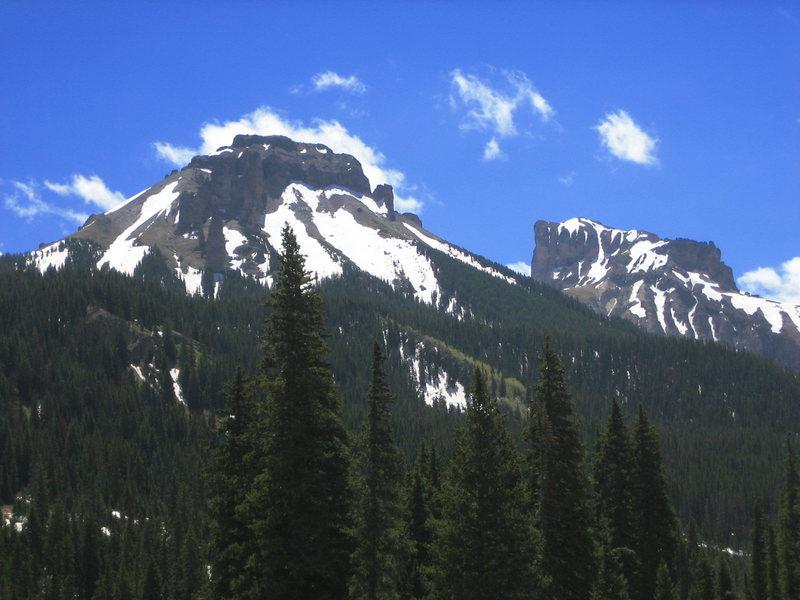 Dunsinane 12742'<br> Precipice Peak 13144'