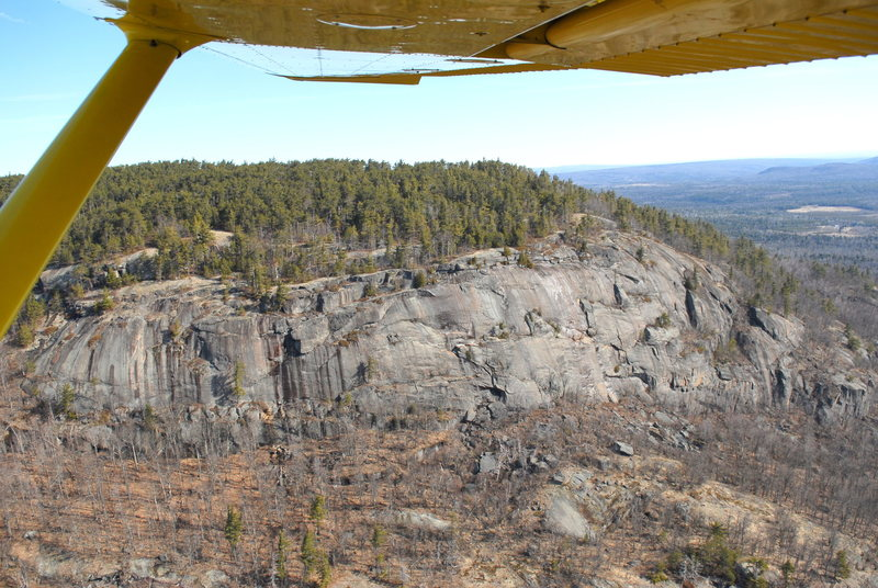 Rock Climbing Photo: Potter Mountain Cliff.