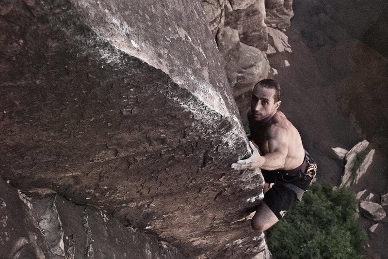 Rock Climbing Photo: Zoltan Papp in the zone on Slap My Fro, Winslow Wa...