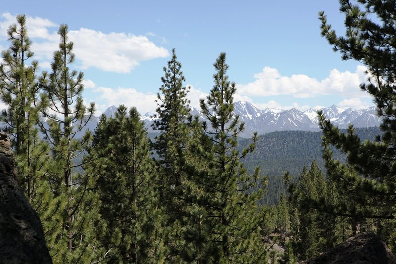 Spectacular views abound when you boulder in the Mammoth Area.