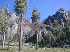 Rock Climbing Photo: View of buttress from parking area.  Quick 10-15mi...