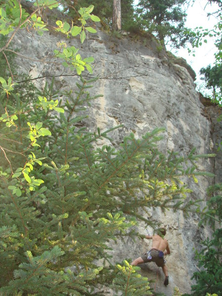 Lee sets up at Dark Parking Lots, 5.12b