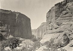 Rock Climbing Photo: The head of Canyon de Chelly, looking past walls t...