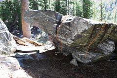 Rock Climbing Photo: Medicine Boulder East Overhang Topo