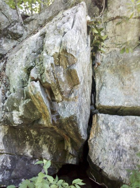 Rock Climbing Photo: Hollow Prow starts on the far middle left of the p...