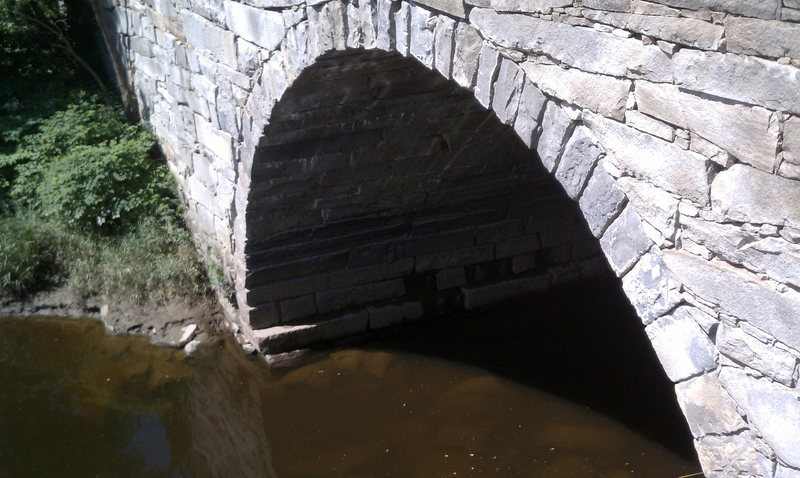 sick arch...untamed.<br> Water Street, Augusta, Maine<br> Route 104 bridge over Bond Brook<br> trad