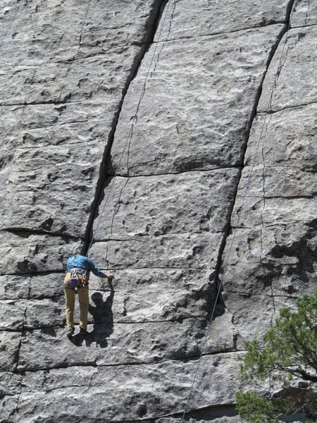 Rock Climbing Photo: Climber has reached the crack after 25 feet of fac...